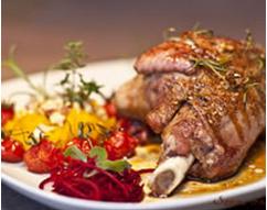"""""""Souris d'agneau confite au miel, à l'ail et au romarin"""" from www.cuisineaz.com"""